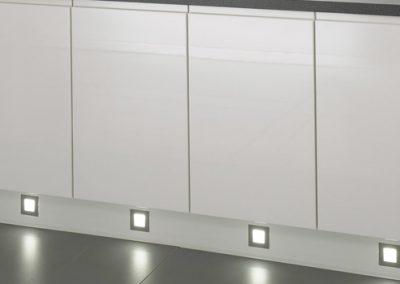 Küchenstudio Janthur-Beleuchtung  2016-Fußleistenbeleuchtung