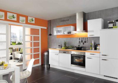 Küchenstudio Janthur-Farbtrends-orange mit weiss