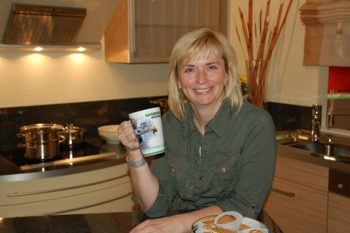 Frau Ramona Pohl geht mit Ihnen die Küchenplanung Schritt für Schritt durch