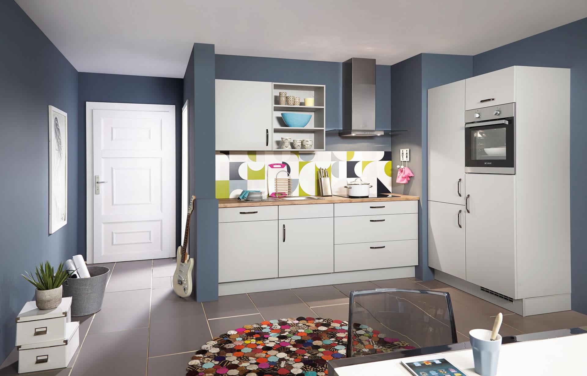 Singleküchen - überschaubare Zahl an Schränken und Schubladen