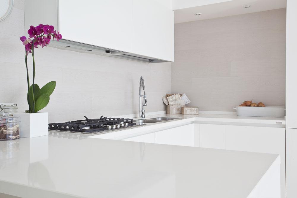 Glasarbeitsplatten als neuer Küchentrend bei Küchenstudio Janhtur in Chemnitz