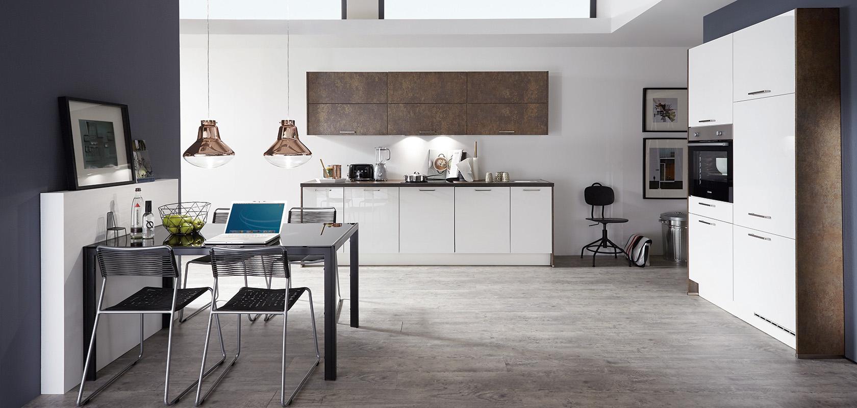 unterschiedliche Materialien und die jeweiligen Pflegetipps für Küchenfronten bei Küchenstudio Janthur