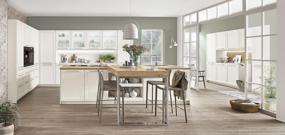 Wie viele Stühle an einen kleinen Esstisch passen ist vorstellbar aber desto größer der Tisch wird, umso unübersichtlicher wird es.