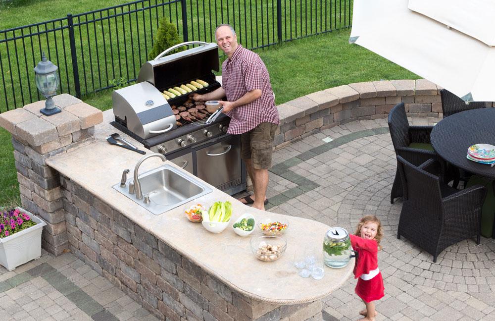 Die Outdoor-Küche – Kochen im Freien