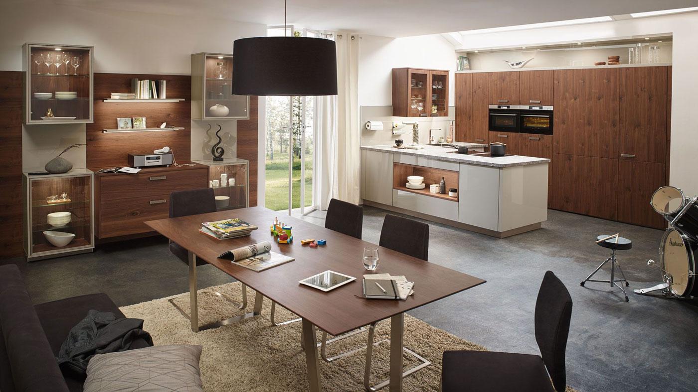 Die Küchenvitrine – Setzen Sie Ihre Lieblingsstücke gekonnt in Szene